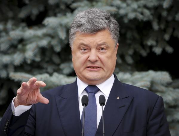 Украинский экономист: Порошенко страдает раздвоением личности