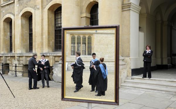Великобританию могут покинуть 15% учителей