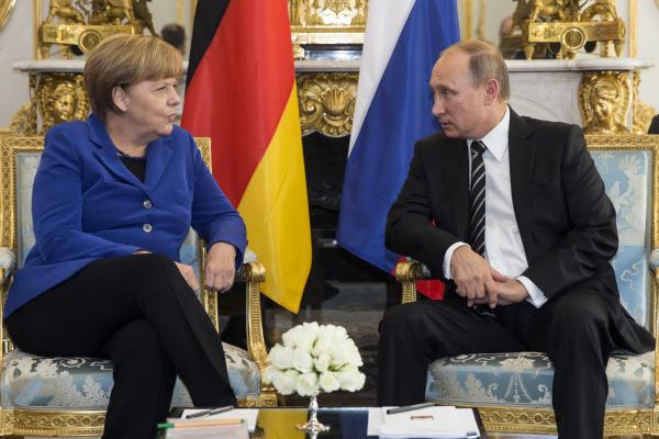 В Германии поставили условие для встречи Меркель с Путиным
