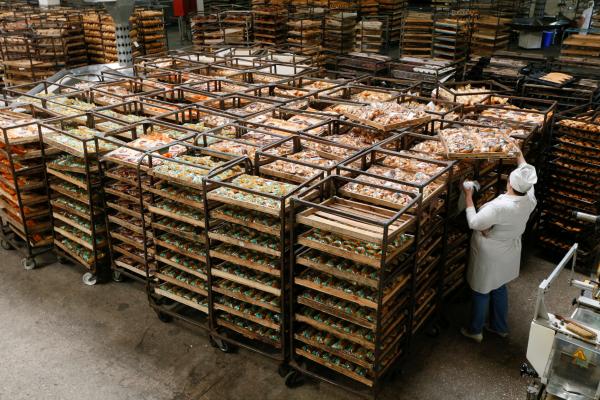 Киев принял решение наладить сДонбассом продуктовый рынок