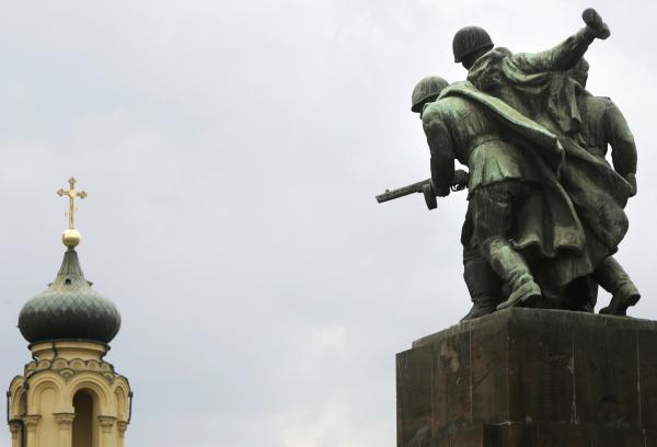сочинение на тему восстановление памятника воинам