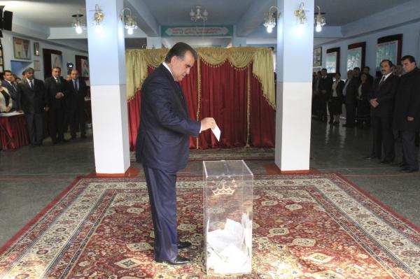 Референдум обизменении конституции Таджикистана признали состоявшимся